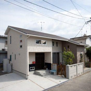 福岡のレトロモダンな家