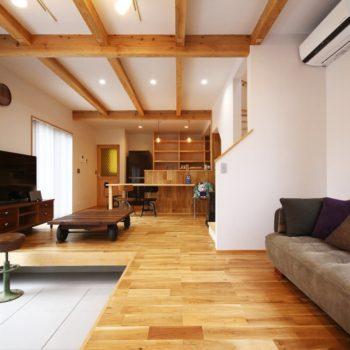 天然石のストーブとかっこいい家具が融合したCAN・BOX